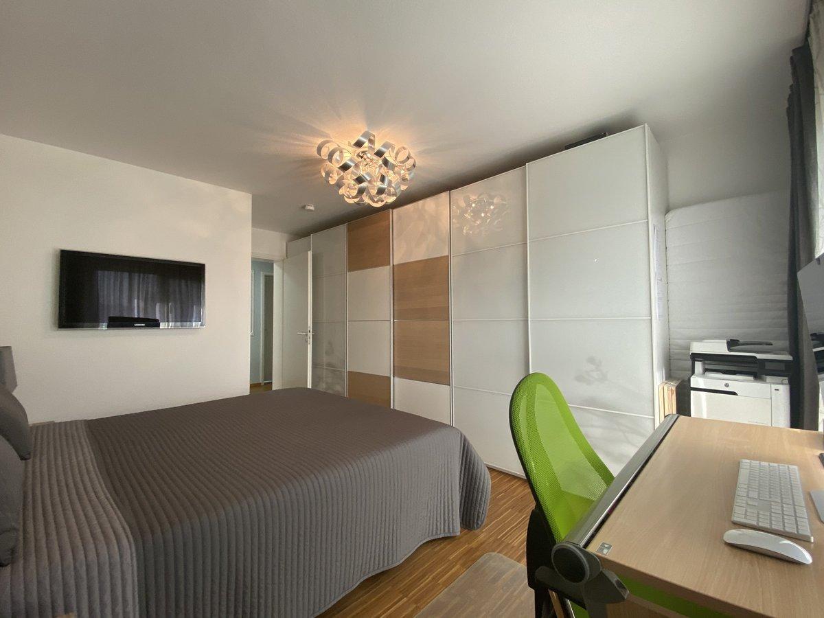 Schlafzimmer 1R